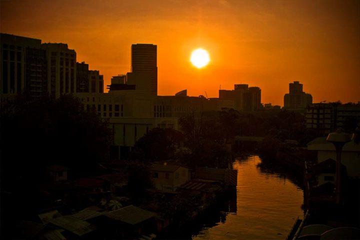 Bangkok Tour - Sunset Boat Chao Phraya